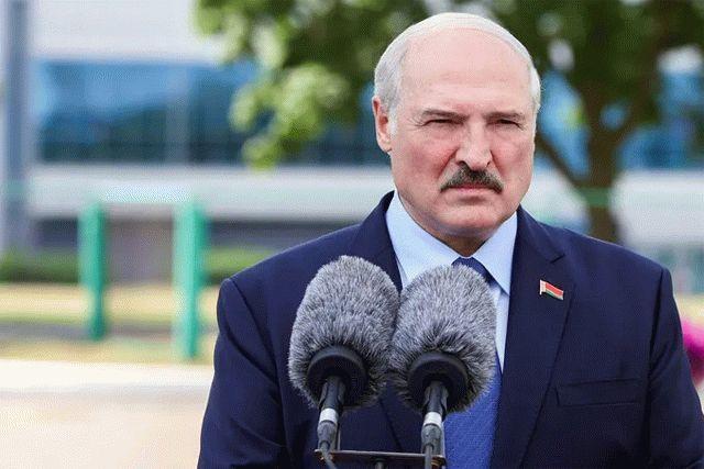 Лукашенко восстановился после серии микроинсультов