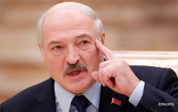 Лукашенко на митинге в Минске заявил, что в Беларуси хотят поменять власть