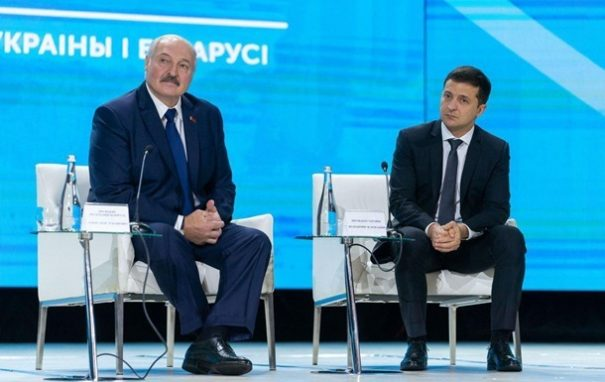 Лукашенко поздравил Зеленского с Днем Независимости