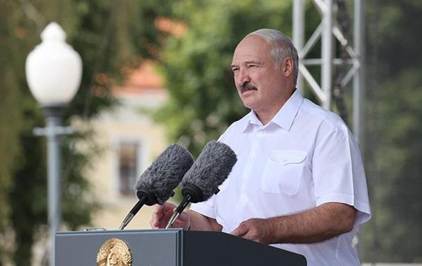 Лукашенко распорядился закрыть все бастующие предприятия