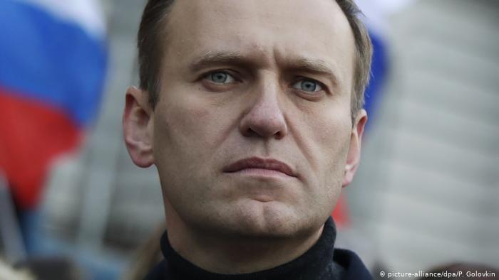 Соратники Навального рассказали, кто организовал его вывоз в Германию