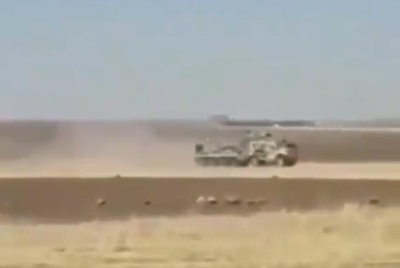 Американцы заблокировали российскую военную колонну в Сирии, видео