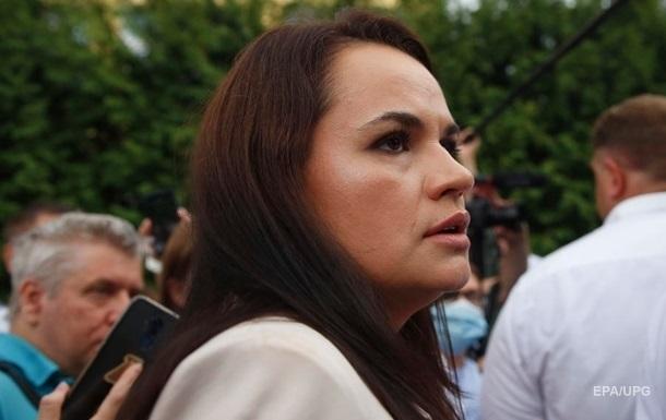 Лукашенко заявил, что не отдаст страну