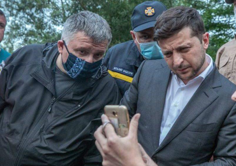 В Офисе президента рассказали о деликатном разговоре Зеленского с Аваковым
