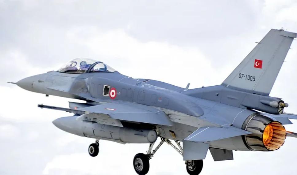 Армения заявила, что турецкий F-16 сбил ее штурмовик Су-25