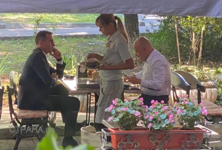 Радуцкого и Ляшко заметили без масок в ресторане Одессы