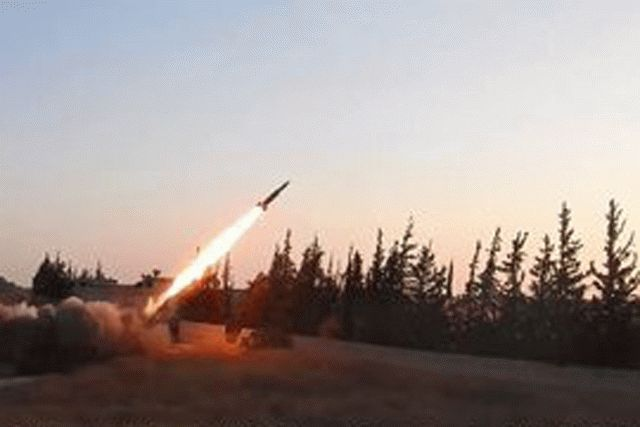 По российским военным в Сирии нанесли ракетные удары