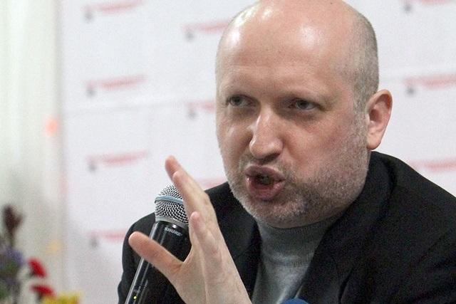 Турчинов и Луценко выступили с требованием к президенту