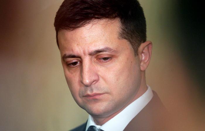 Рейтинг Зеленского упал ниже 30%