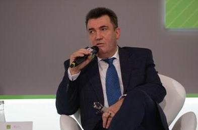 Данилов заявил, что Россия в ноябре введет войска в Беларусь