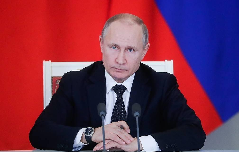 Путин сделал два агрессивных выпада в адрес остального мира
