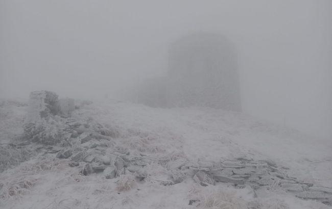 В Карпатах похолодало до нуля градусов и выпал снег