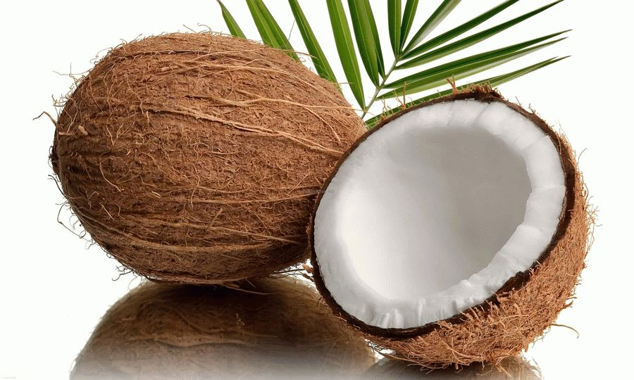 В кокосе масса полезных веществ, а его сок вообще стерильный