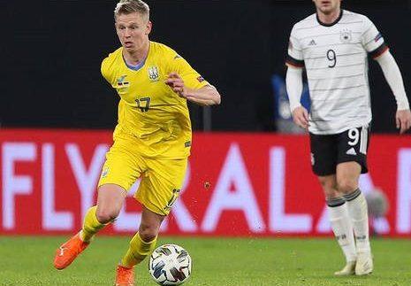 Зинченко ответил на пожелания ему и его семье смерти за ошибку в матче с Германией