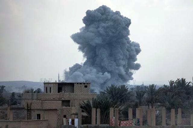 Российские самолеты нанесли бомбовые удары в Сирии