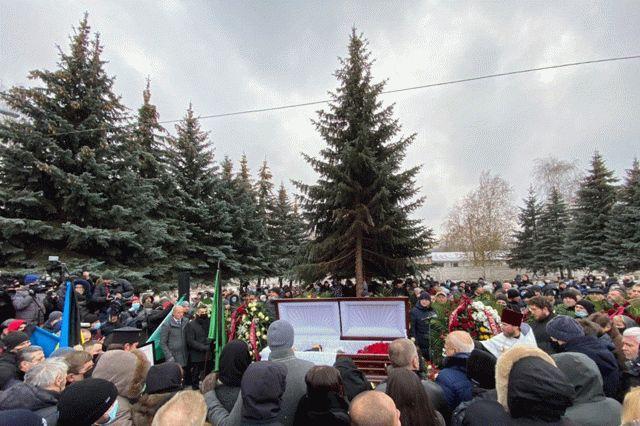 На похороны Кернеса пришли 110 тысяч харьковчан