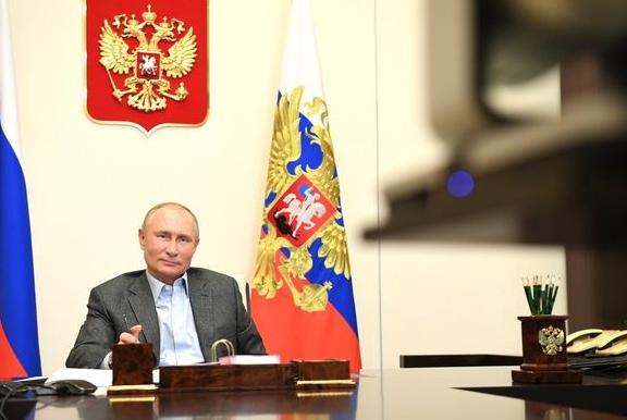 Путин скрывается в Сочи в тайном кабинете