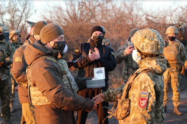 Зеленский побывал в окопах бойцов ВСУ на Донбассе