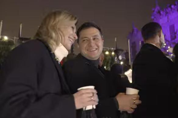 Зеленский пригласил украинцев на елку под ОП, несмотря на карантин