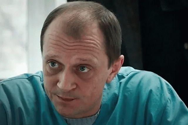 В России умер за рулем своего авто актер Дмитрий Гусев