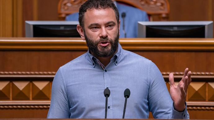 В «Слуге народа» одобрили исключение Дубинского из фракции