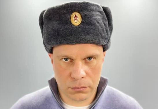 Кива в шапке с красной звездой призвал арестовать его