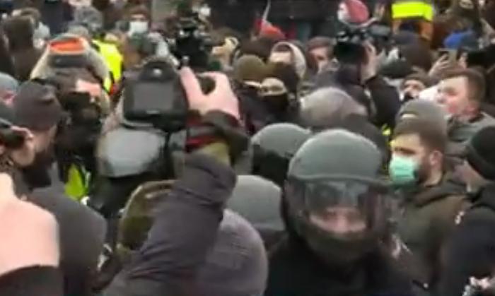 В России задержали уже 900 человек, включая Юлию Навальную