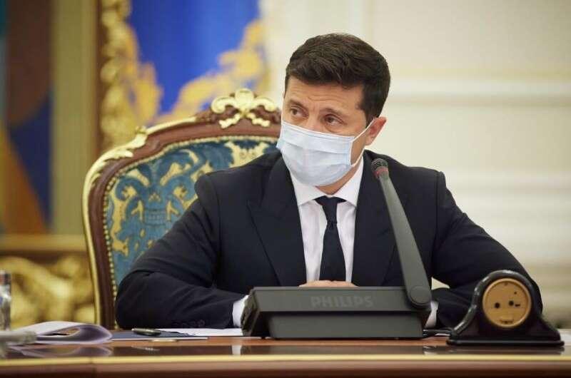 Зеленский провел срочное заседание СНБО по вопросу главы КСУ