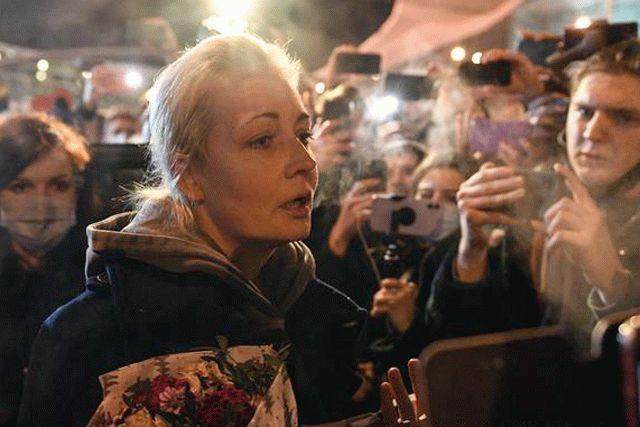 Жена Навального улетела из России
