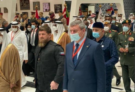 Кадыров отреагировал на скандал из-за фото с Уруским