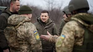 У Зеленского объяснили отведение с фронта снайперских групп