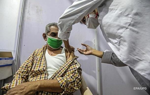 В Украине сделали рекордное число прививок от коронавируса