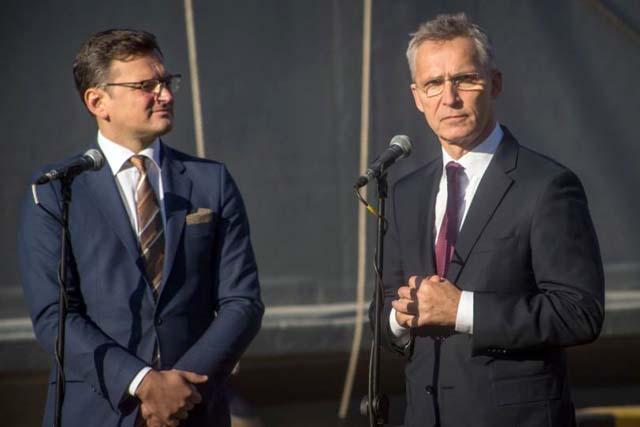 Кулеба и Столтенберг рассказали, на каких участках Россия готовит наступление