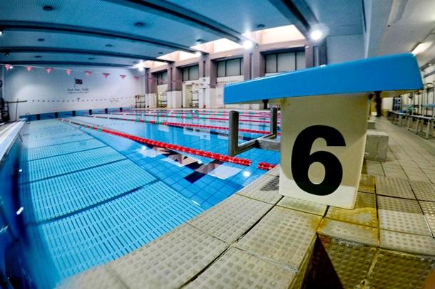 Вода в бассейнах убивает коронавирус