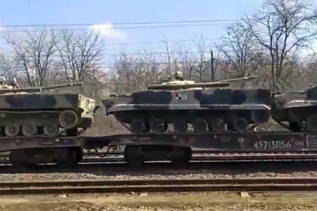 В Кремле назвали цель стягивания российских войск к границе Украины