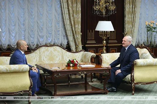 Лукашенко заявил, что хочет объединения с Россией и Украиной
