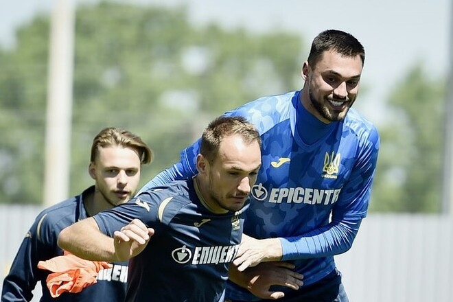 Андрей Шевченко забил в ворота Бущана пять пенальти подряд, видео