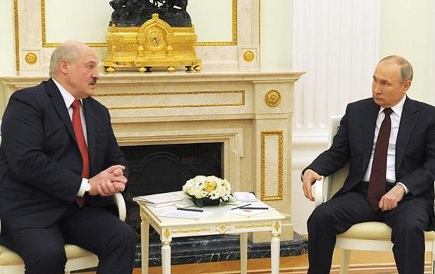 Путин и Лукашенко поздравили украинцев с Днем Победы