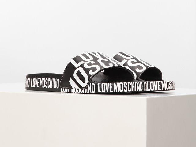 Moschino — ироничный стиль, полюбившийся всему миру