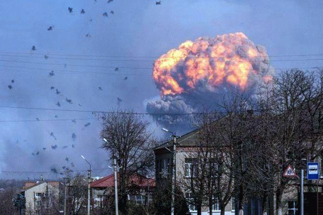 В Bellingcat заявили о причастности ГРУ РФ к взрывам на военных складах в Украине