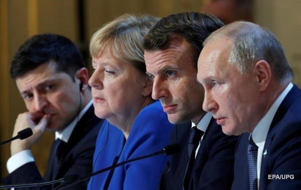 Зеленский упрекнул Меркель и Макрона за потакание Путину