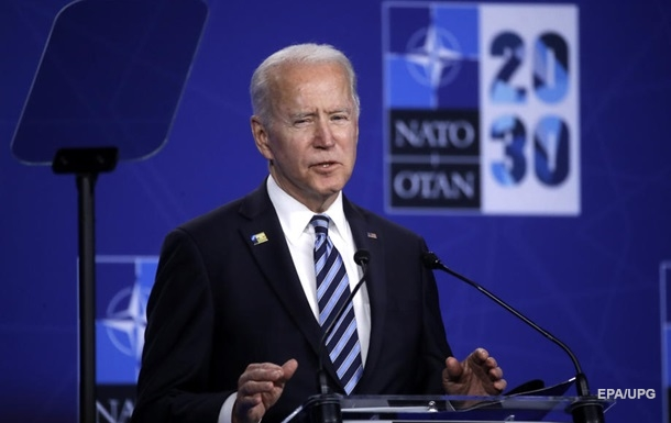 Байден заявил, что война на Донбассе не помешает Украине вступить в НАТО