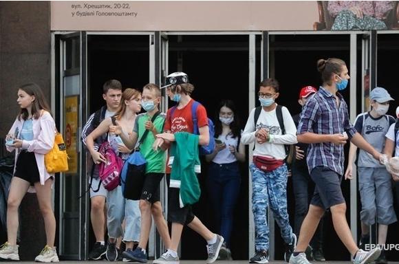 В Украине новый скачок заражений COVID-19