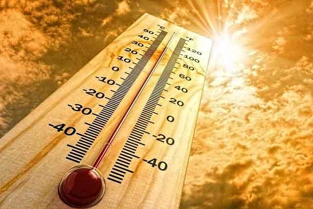 Аномально жаркая погода продлится в Украине до выходных