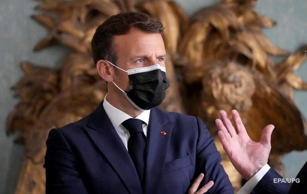 Во Франции суд вынес приговор за пощечину Макрону