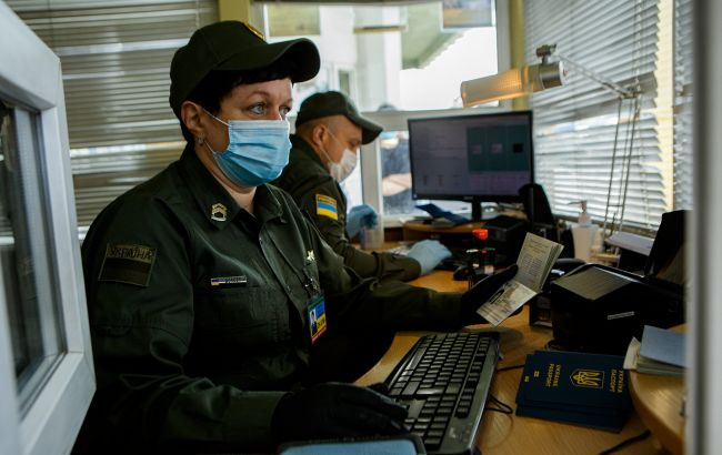 Привитых российской вакциной «Спутник V» не пускают в Украину