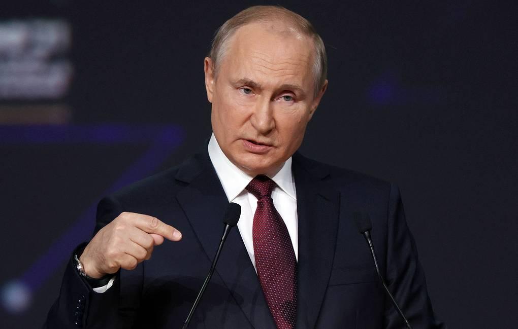 Путин ответил Зеленскому, что Россия не обязана всех кормить