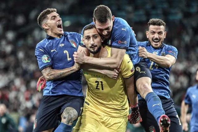 Доннаруммапризнан лучшим игроком Евро-2020