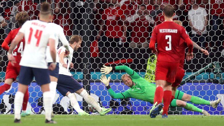 УЕФА начал расследование из-за пенальти в матче Англии и Дании