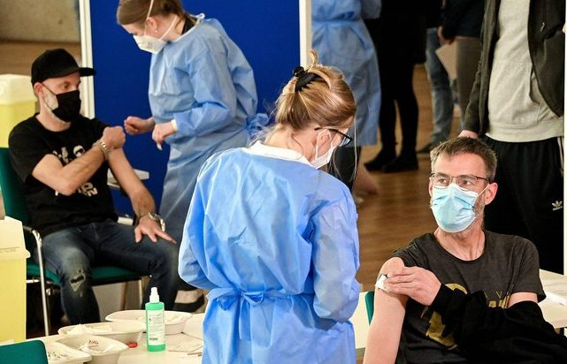 Создатель вакцины от коронавируса заявил, что коллективный иммунитет невозможен